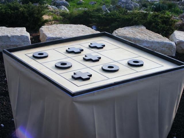 שולחן איקס עיגול